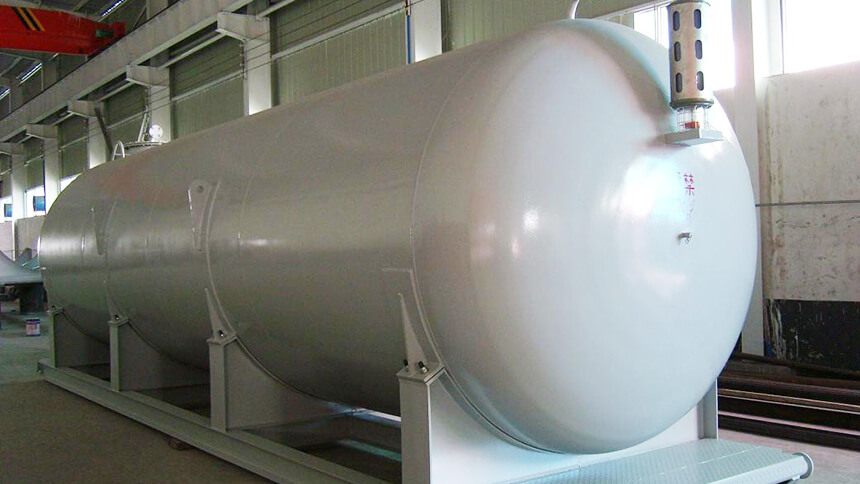 Pressure vessel made from Q390 steel
